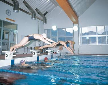 日本水泳連盟公認 室内温泉プール