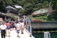 琵琶湖に浮かぶ竹生島にて