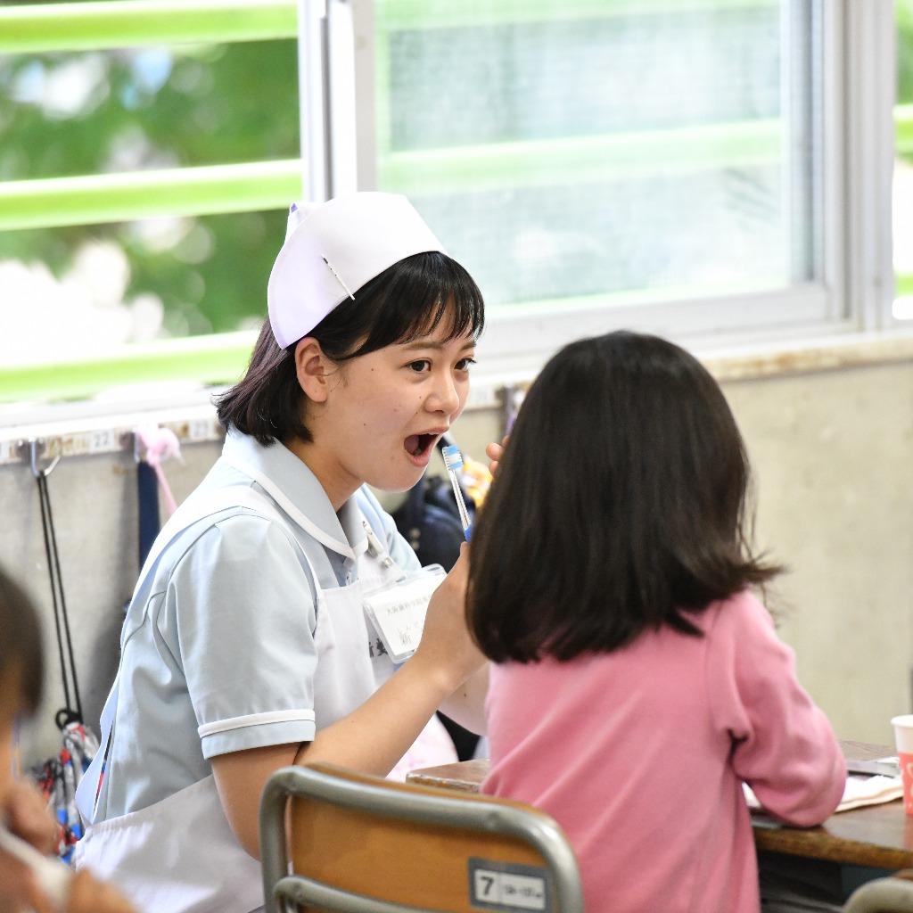 小学校での歯科保健活動