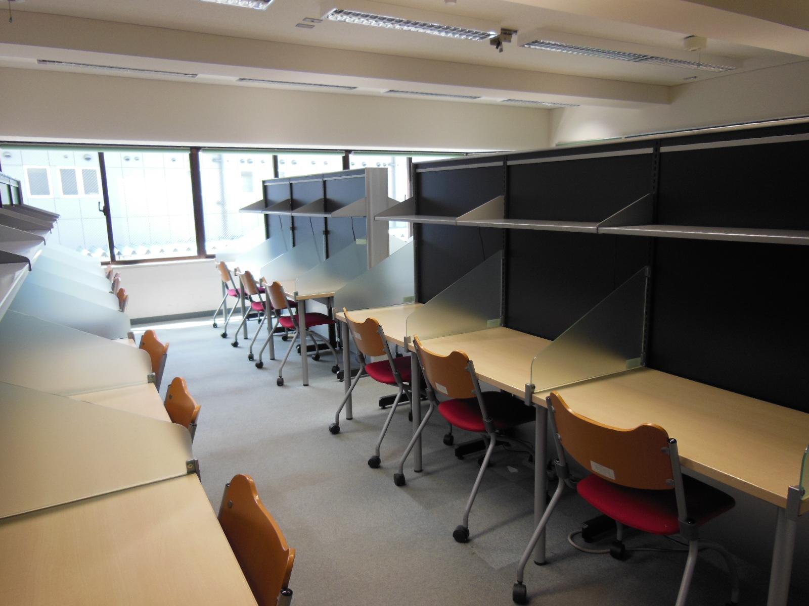河合塾KALS新大阪校の自習室