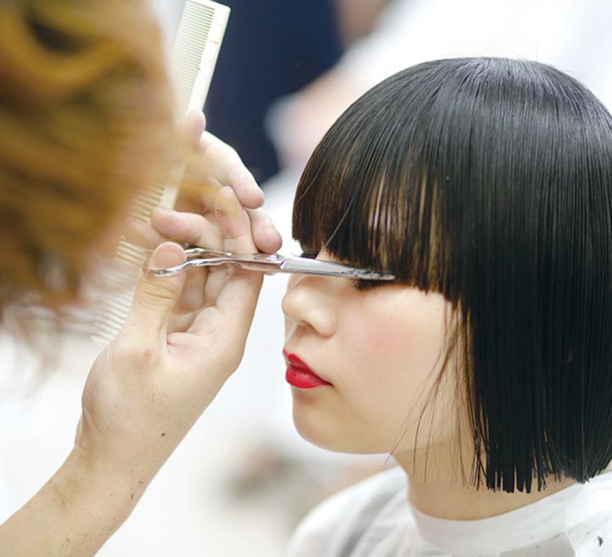 サスーンの理念を学び、美容師の芸術家を育成。