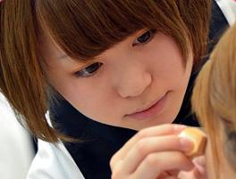 ネイル・メイク・エステ・ファッションを学べる美容専門学校